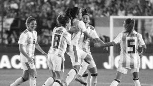 AFA va por los contratos profesionales en el fútbol femenino