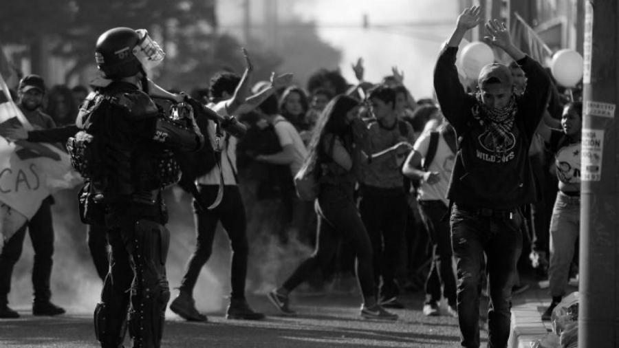 Colombia represion policial la-tinta