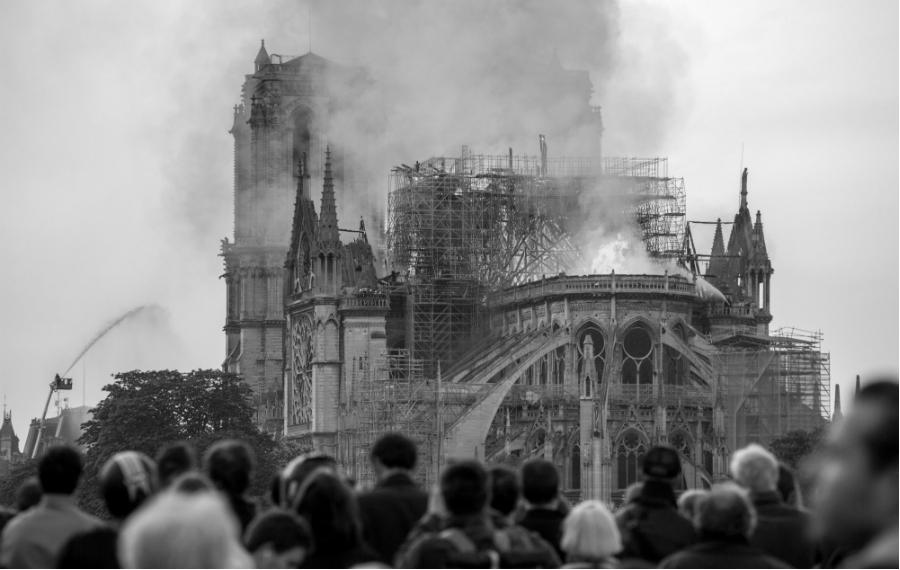 Francia incendio Notre Dame la-tinta