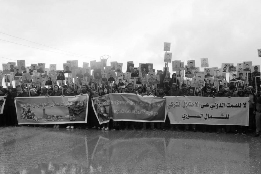 Kurdistan Afrin protesta base rusa la-tinta