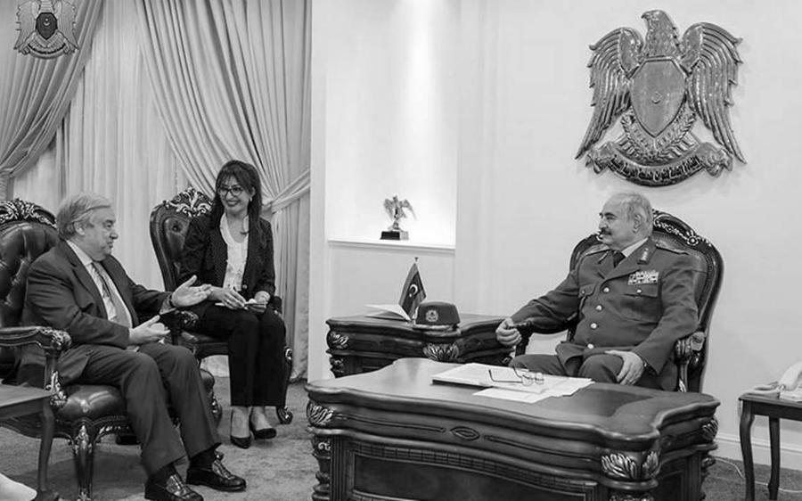 Libia mariscal Haftar la-tinta
