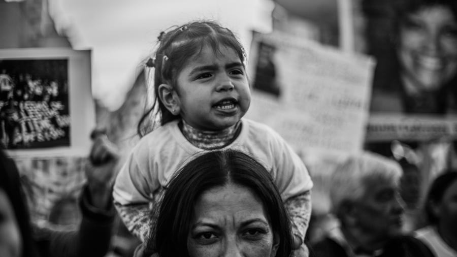 Mujeres-pibas-madre-nena-hija-maternidad-policia-gatillo-facil-violencia-institucional-Eloisa-Molina-03