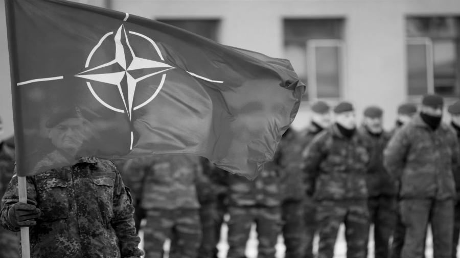 OTAN soldados la-tinta