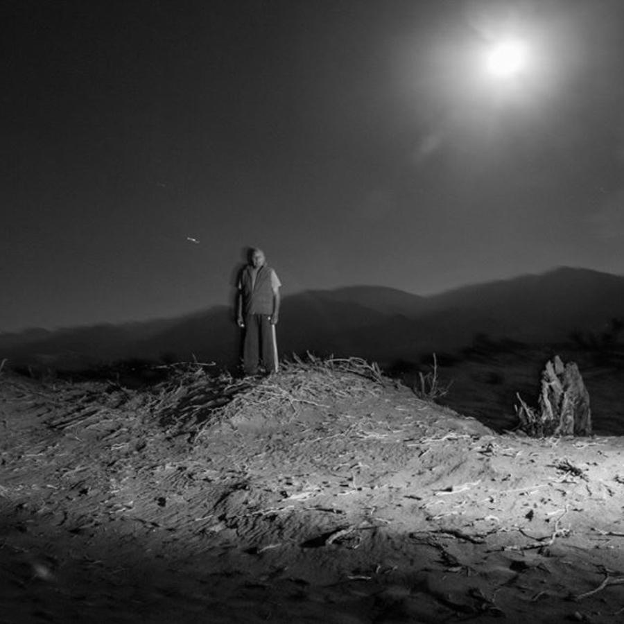 Cactus-retrato-hombre-noche-catamarca-campo-Fernando-Bordón