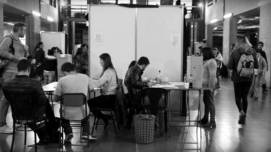 Elecciones-UNC-votacion-universidad-Cordoba-estudiantes-rector-alumnos-La-tinta-02