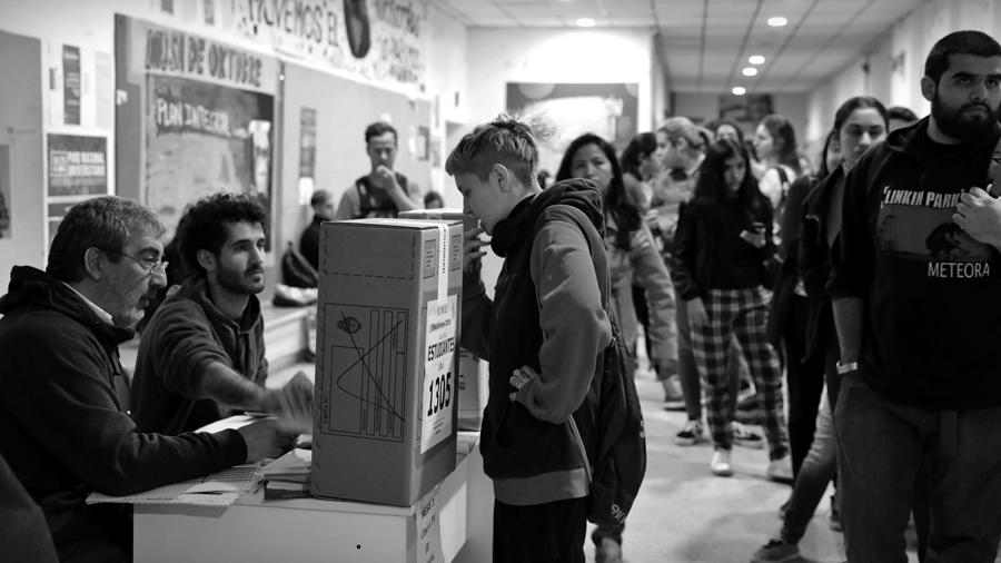 Elecciones-UNC-votacion-universidad-Cordoba-estudiantes-rector-alumnos-La-tinta-03
