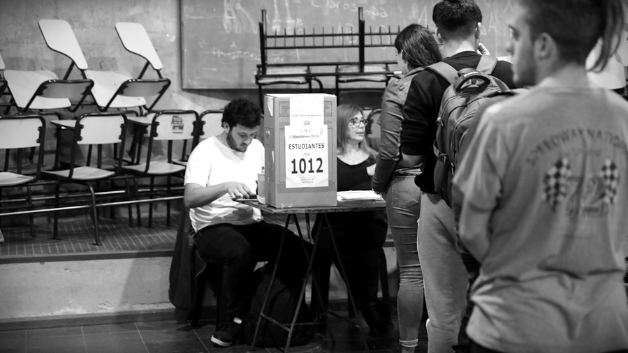 Elecciones-UNC-votacion-universidad-Cordoba-estudiantes-rector-alumnos-La-tinta-04