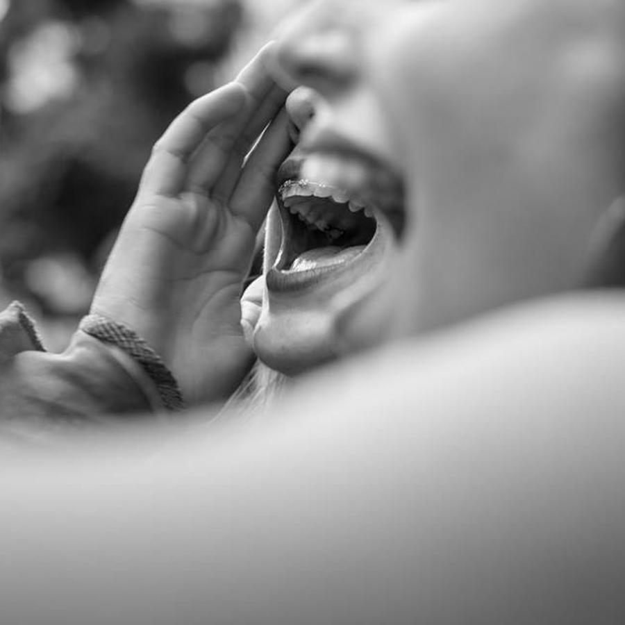 Lucia-Prieto-Mujeres-feminismo-aborto-grito-jovenes-adolescentes-ortodoncia