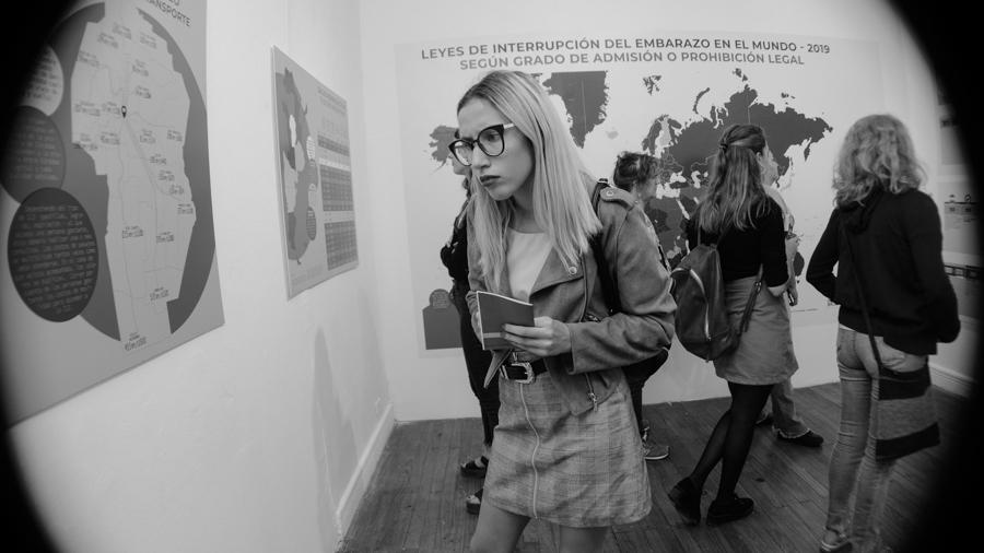 Mujer-idiota-aborto-muestra-arte-CCEC-06