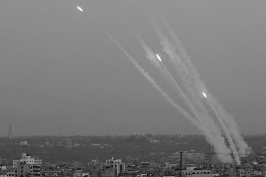 Palestina lanzamiento de cohetes desde Gaza la-tinta