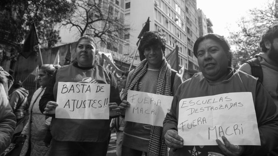 Paro-general-trabajdores-mujeres-trabajadoras-movilizacion-cordoba-ajuste-Colectivo-Manifiesto-02