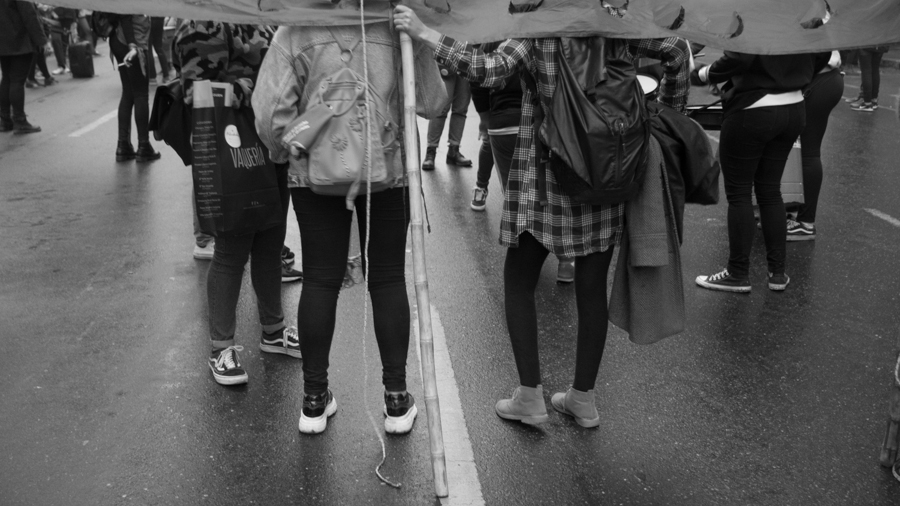 13J-Vigilia-Aborto-Feminismo-mujeres-lluvia-pañuelos-Colectivo-Manifiesto-02