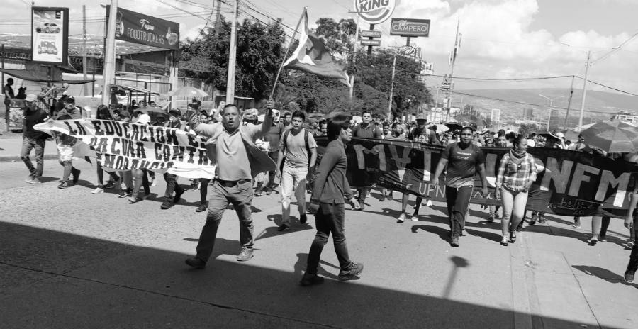 Honduras manifestacion en defensa eduacion la-tinta