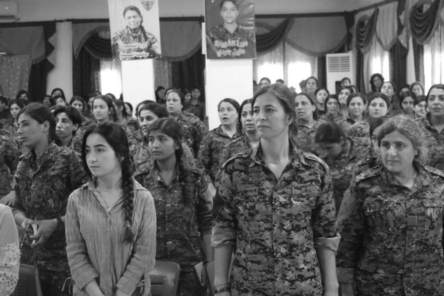 Kurdistan YPJ segunda conferencia la-tinta