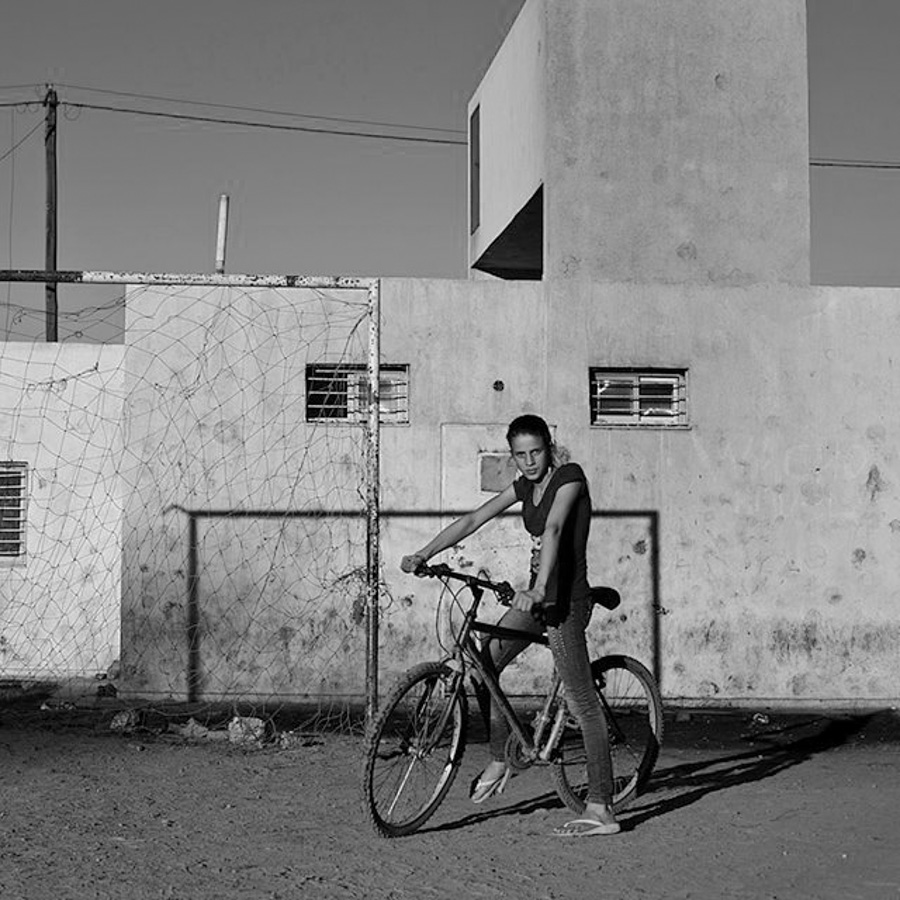 M.A.F.I.A-bicicleta-barrio-cancha-mujer-piba