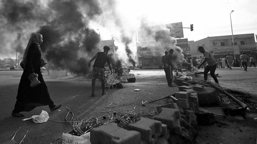 Sudan protestas la-tinta