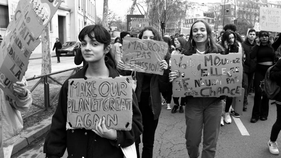 Violeta-Ramirez-Macron-Francia-manifestacion-ecologia-02