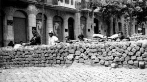 Una ciudad gobernada por barricadas