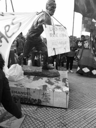 Escrache-Manuel-Ginobili-mapuches-territorios-03