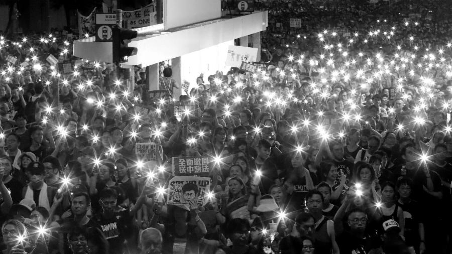 Hong Kong manifestantes contra extradiciones la-tinta