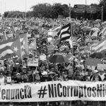 Protestas masivas en Puerto Rico desencadenan la renuncia del gobernador Rosselló