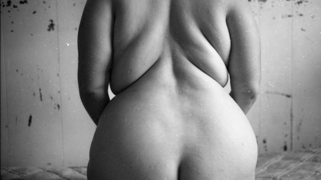 cuerpo-desnudo-gordo-cuerpx-gordx-inmensidad