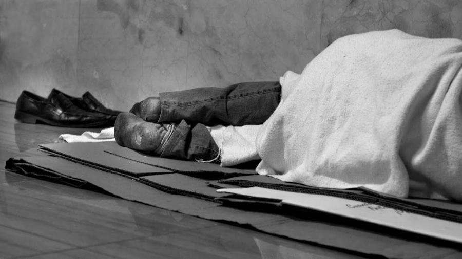 dormir-calle-pobreza-marginado-hogar-casa