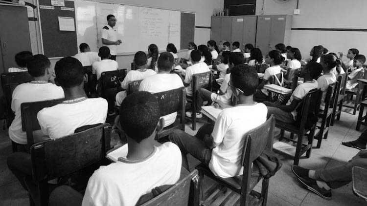 escuela-freire-bolsonaro-brasil-5