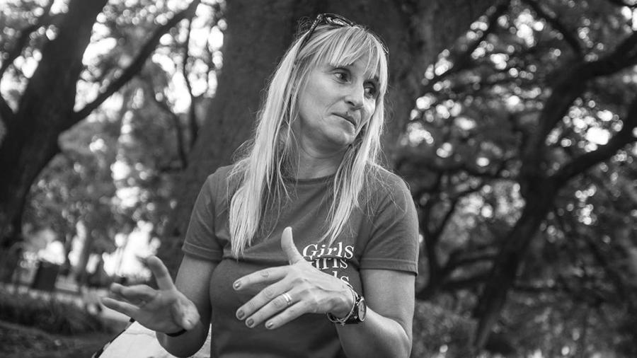Carla Savarese docente escuela rural fumigaciones