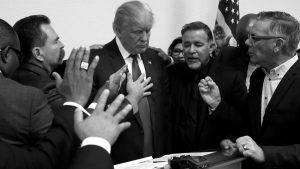La CIA, los evangelios y la ametralladora