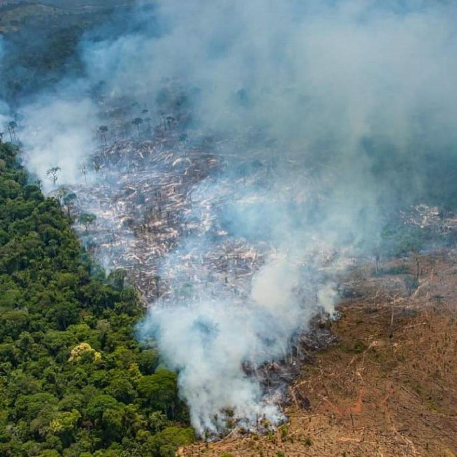 Impactante registro fotográfico de la selva amazónica en llamas_Araquém Alcântara_03