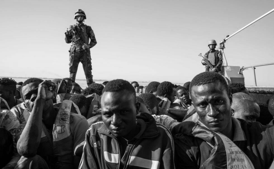 Italia inmigrantes militares la-tinta