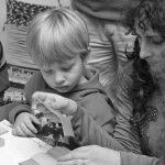 Con el arte en los zapatos: infancias creativas y museos amigables
