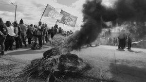 Salarios impagos, patotas y un paro nacional: apuntes para entender por qué Chubut arde