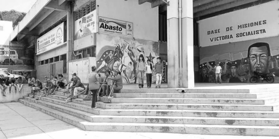 Venezuela Caracas Comuna Victoria Socialista mural la-tinta