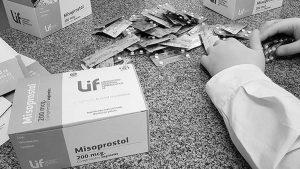 Por un amparo de dos organizaciones religiosas, suspenden la venta de misoprostol en farmacias