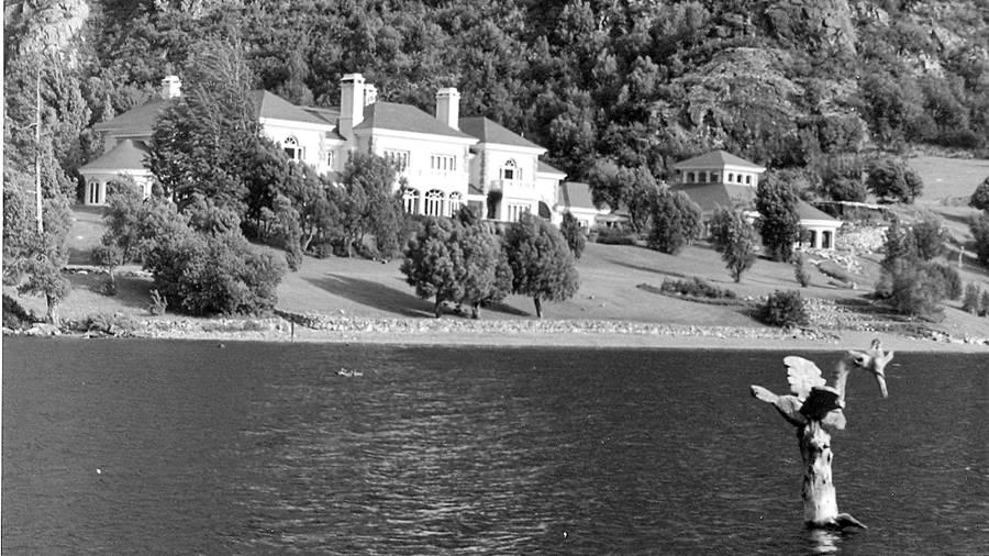 lago-escondido-lewis-fallo