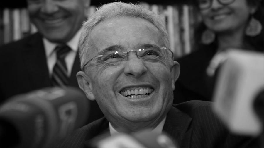 Colombia Alvaro Uribe Velez la-tinta