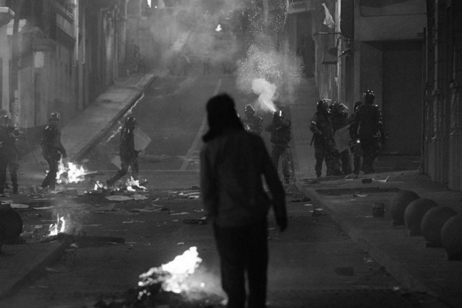 Ecuador Quito policia reprime la-tinta