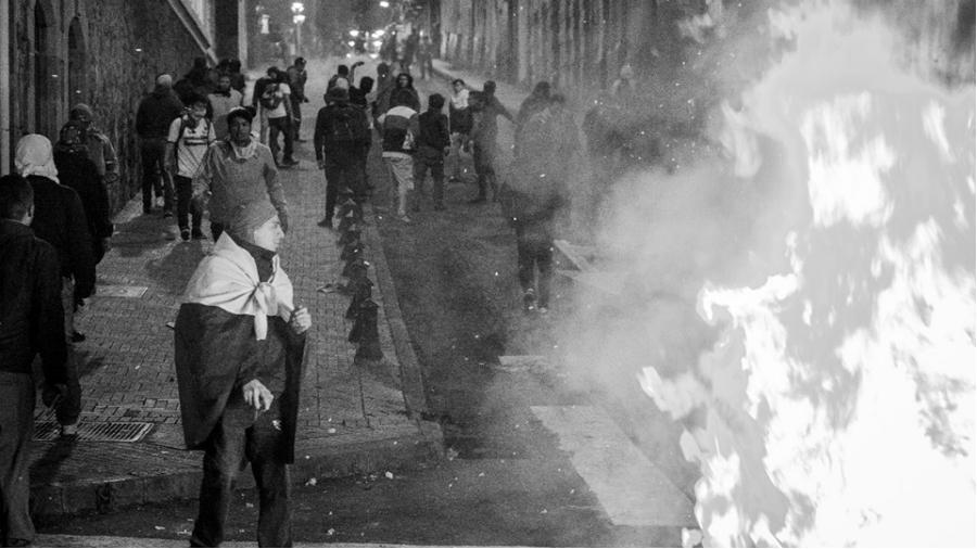 Ecuador Quito protestas noche la-tinta
