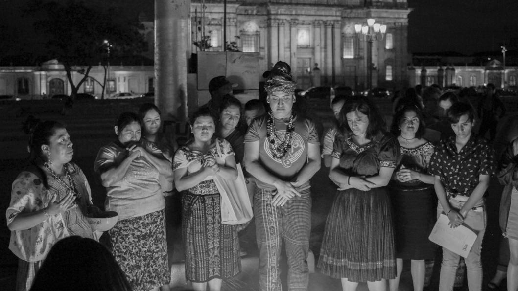 Guatemala-feminismo-femicidio-ceremonia-maya-Huayra-Bello-03