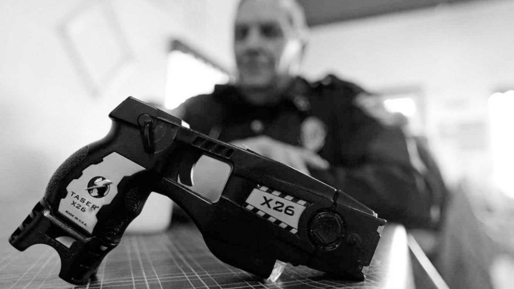 Taser-policia