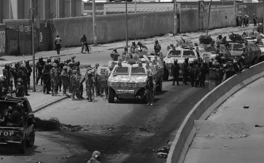 Bolivia El Alto Senkata militarizacion la-tinta