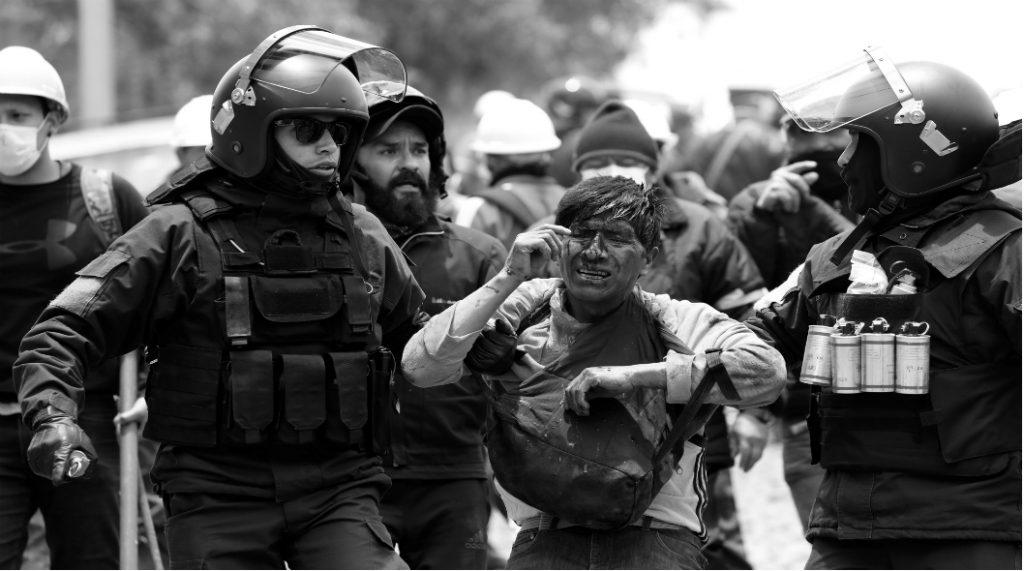 Bolivia policia reprimer en El Alto la-tinta