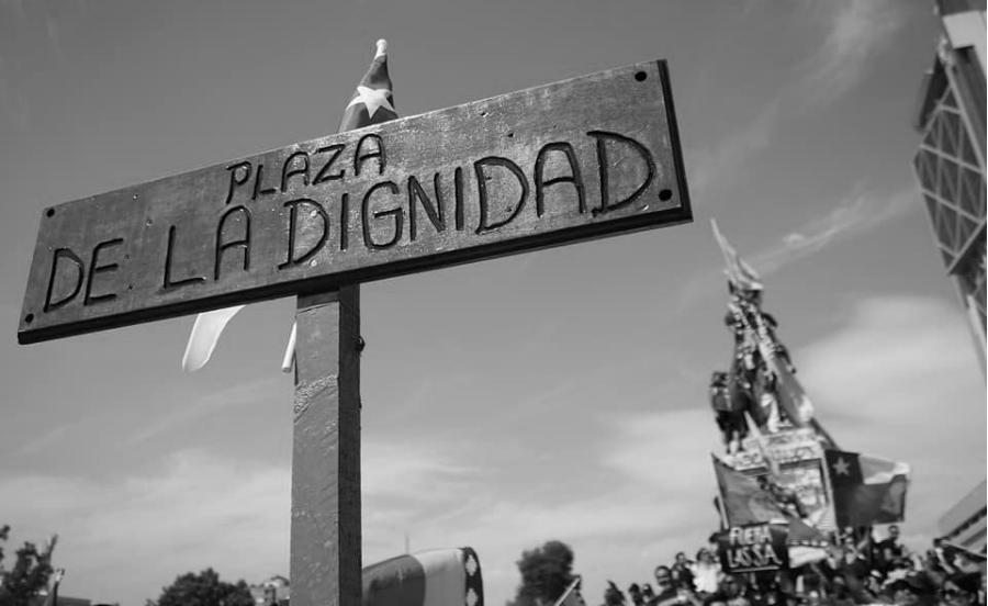 Chile Plaza de la Dignidad la-tinta