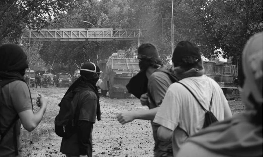 Chile barricada contra policia la-tinta