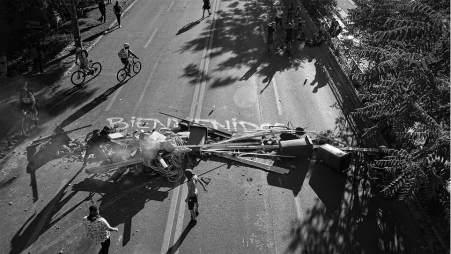 Chile barricadas en las calles la-tinta