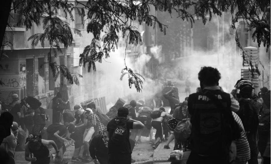 Chile barricadas en los barrios la-tinta