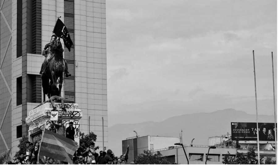 Chile concentracion contra el gobierno la-tinta