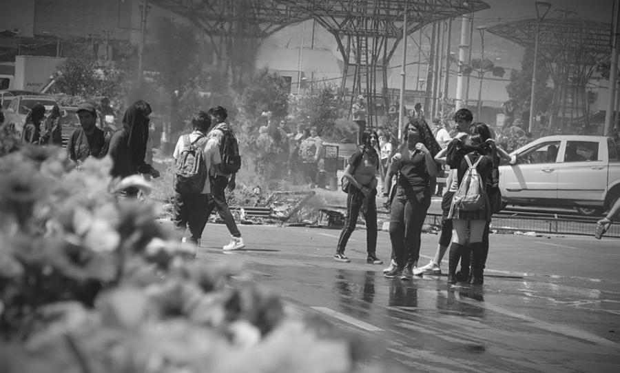 Chile jovenes en barricada la-tinta
